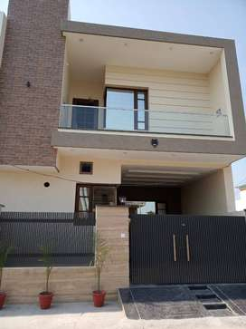 NEWLY BUILT MODERN KOTHI APPROX 5 MARLAS FOR SALE NEAR 66 FEET ROAD.