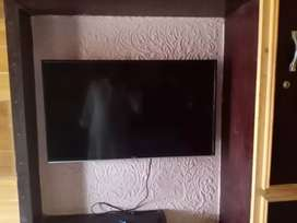 Haier 32B9000 LED TV