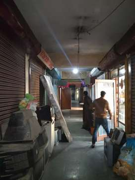 Shop for rent in udyaan plaza