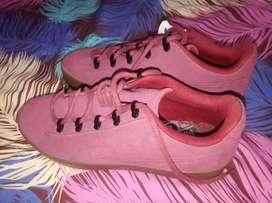 Dijual sepatu puma asli dari luar, warna merah uk 42