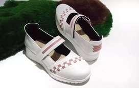 Sendal sepatu kulit asli