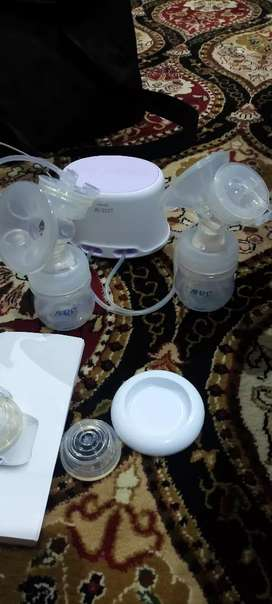 Avent Electric Dual Breast pump Brand new condition England made