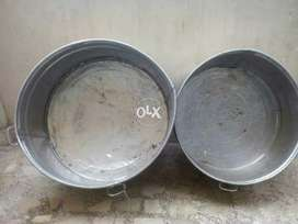2 Tub's stainless steel