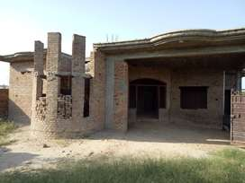 Single Story House (17 Marla Structure without Furnished) Prime Locati