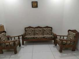 5 seat sofa  in best condition