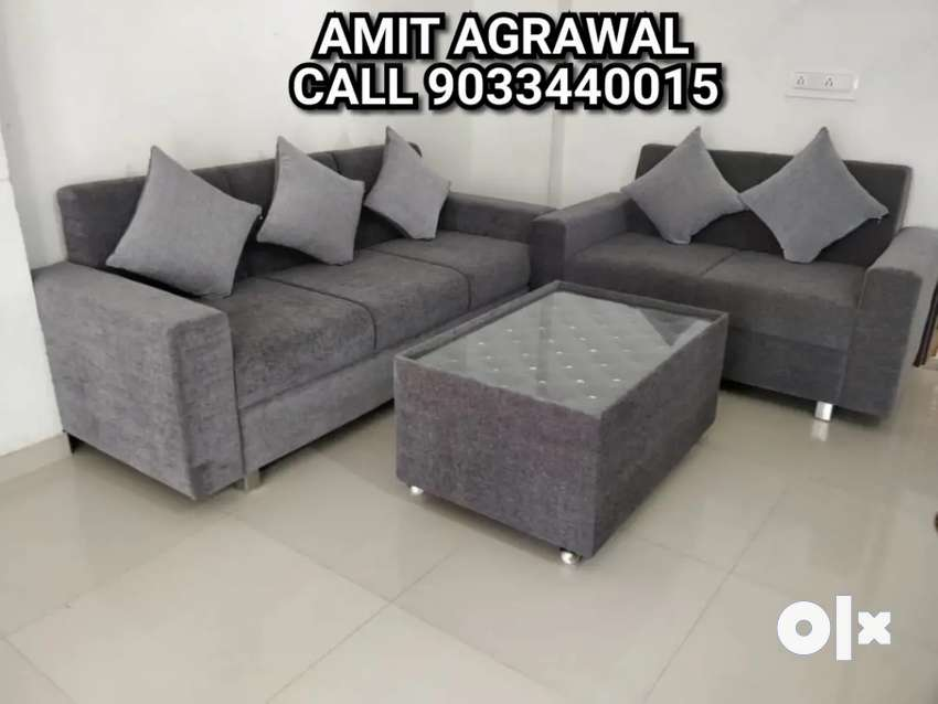 Beautiful looking 3+2 seat sofa with center table