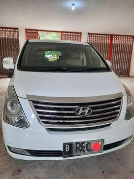 Hyundai H-1 CRDi 2.5 Tahun 2011