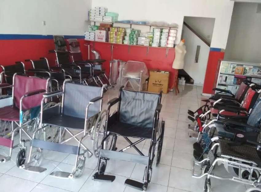 Kursi roda travelling dan standar new