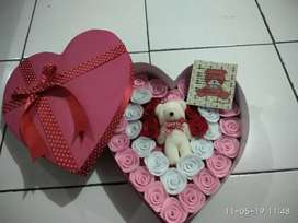 Box love bunga flanel custom
