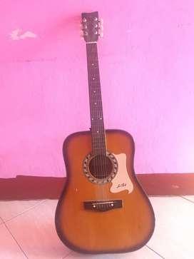 Gitar Yamaha G 525 Aneh