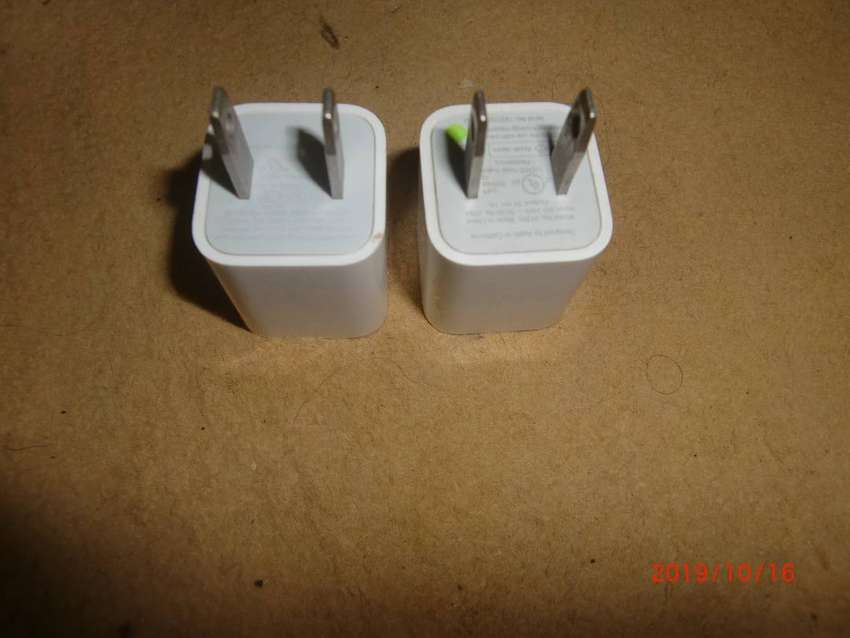 original iphone  charger apple 0