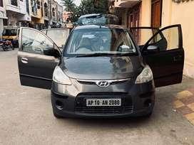 Hyundai i10 magna petrol very neat codition price is slightlynegitable
