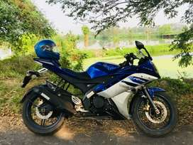 Yamaha r15 v2 special edition. No problem in it. .