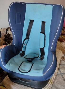 KIDS CAR SEAT IN GOOD CONDITION