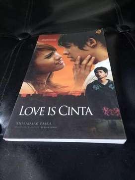 Novel Love is cinta