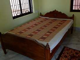 Bed with mattress in very good condition