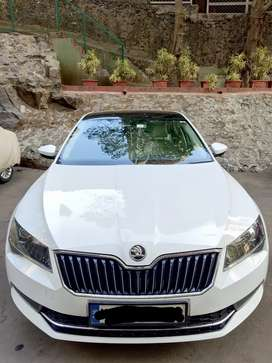 Skoda Superb 2016 Petrol Well Maintained