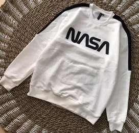Sweater NASA brokenwhite list hitam by H&M