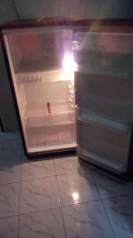 Kulkas LG 1 pintu kondisi oke