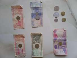 Uang kertas dan koin kuno