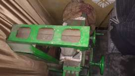 Milling Machine     Price 20000