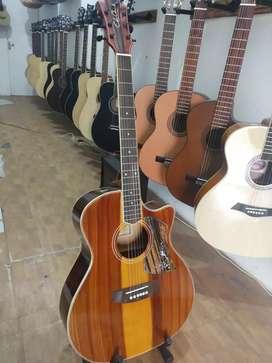 Gitar akustik cingcain