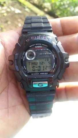 Casio G- shock G-2210