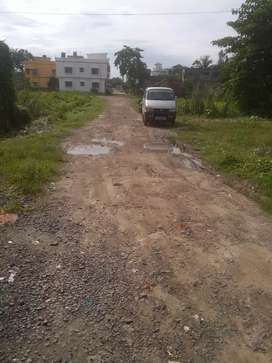 Plot available for sale in Housing projects on Bakhrahat Road