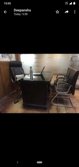 Boss chair with table