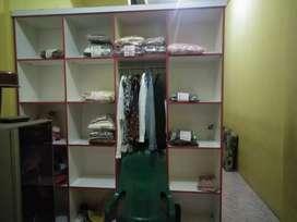 Dijual lemari dan meja laundry