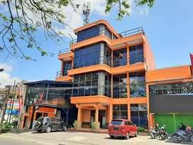 [U-Ni] Tempat Usaha 4 Lantai di Nol Jalan Raya Soekarno Hatta