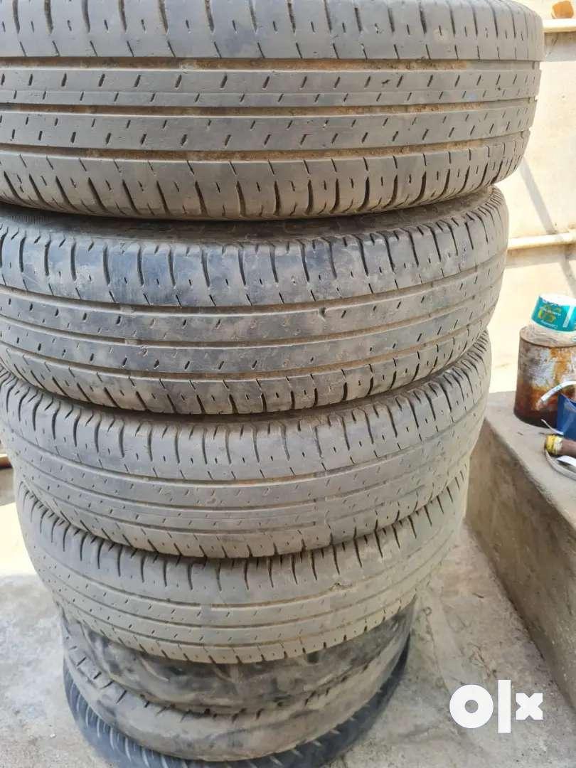 Swift Dzire Bridgestone tyre/165/80/R14/4