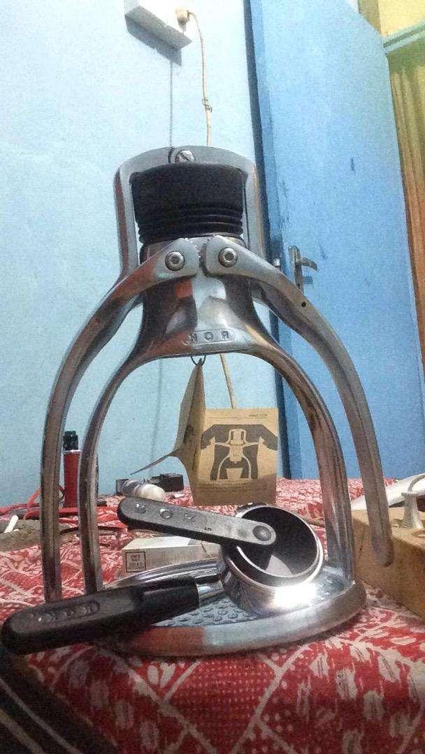 Mesin kopi espresso manual rokpresso 0