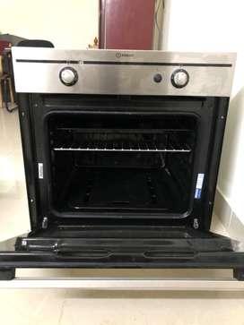 Indesit oven 56 L