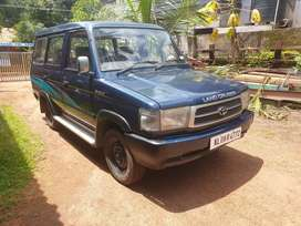 Toyota Qualis in top condition.