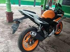 Cbr 150r orange special edition