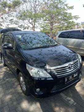 Kijang innova v 2.0 At 2011 (low km)