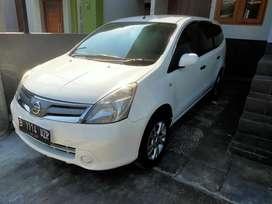 Nissan Grand Livina Automatic th 2013 istimewa sekali
