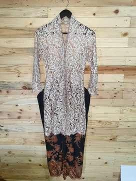 Kebaya Size S + Rok Batik