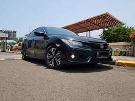 Honda Civic Hatchback S VTEC Turbo 2018 Hitam low km 6rb Bisa TT Camry