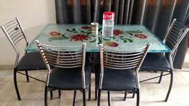 6 seaters dinning table