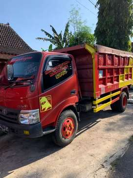Dijual Dyna Ht dump 2016 190jt kondisi muluss