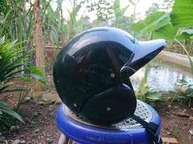 Helm jadul cocok buat motor jadulmu