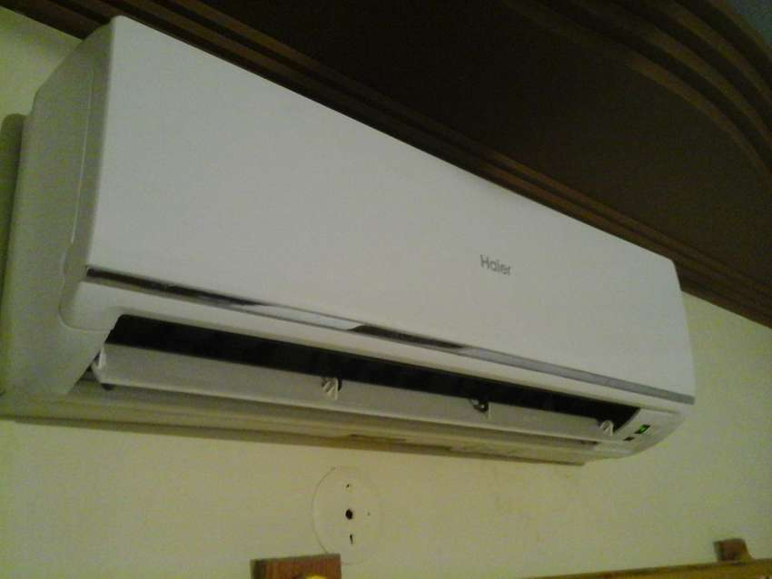 Mint Condition (Low Voltage AC, six months old) 0