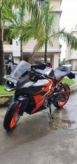 Urgently selling ktm Rc 200 showroom condition