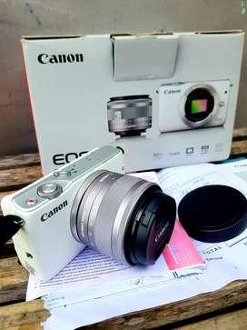 Canon Mirroles M10