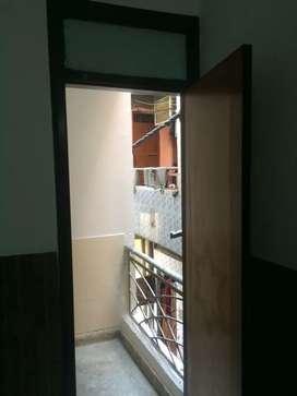 Builder Floor available in madhu vihar Patparganj