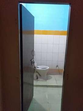 1 room, 1 bathroom