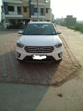 Hyundai creata sx+ white colour