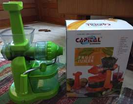Classic Fruits & Vegetable Juicer with Steel Handle, Green